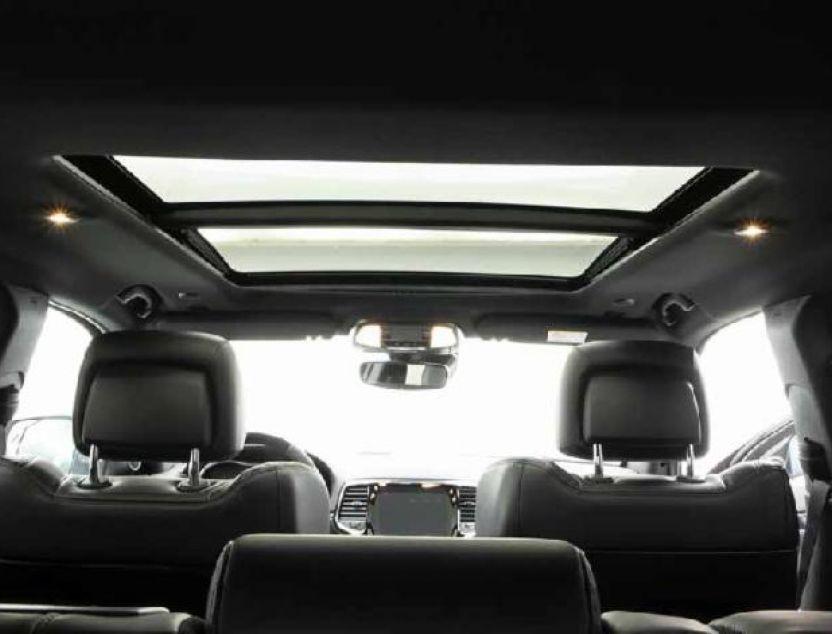 Interior de Jeep Grand Cherokee