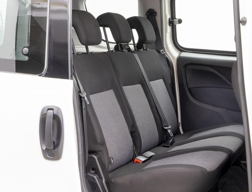 Interior de Fiat Doblo