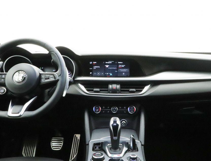 Interior de Alfa Romeo STELVIO